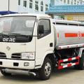 成龙威东风福瑞卡化工液体运输车