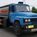 新中绿东风尖头化工液体运输车