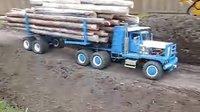 电动木材运输车模型也超载