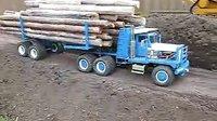 0001.优酷网-电动木材运输车模型也超载