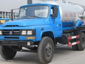 合力东风140型8方吸污车