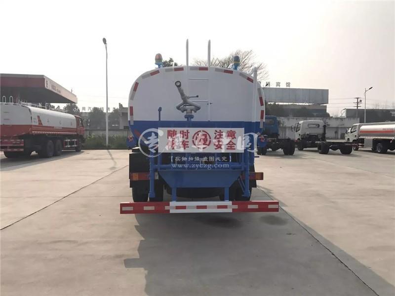 合力10吨东风创普洒水车