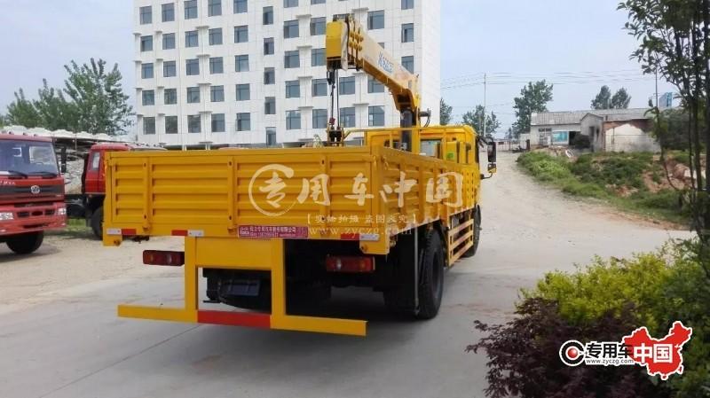 东风天锦国五8吨随车吊车型实拍图片5