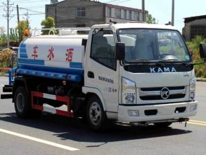 宏宇凯马5吨洒水车