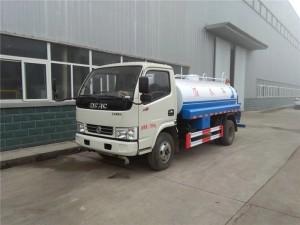 合力东风多利卡5吨洒水车