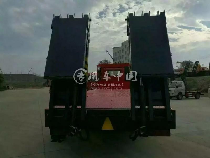 解放J6小三轴平板运输车
