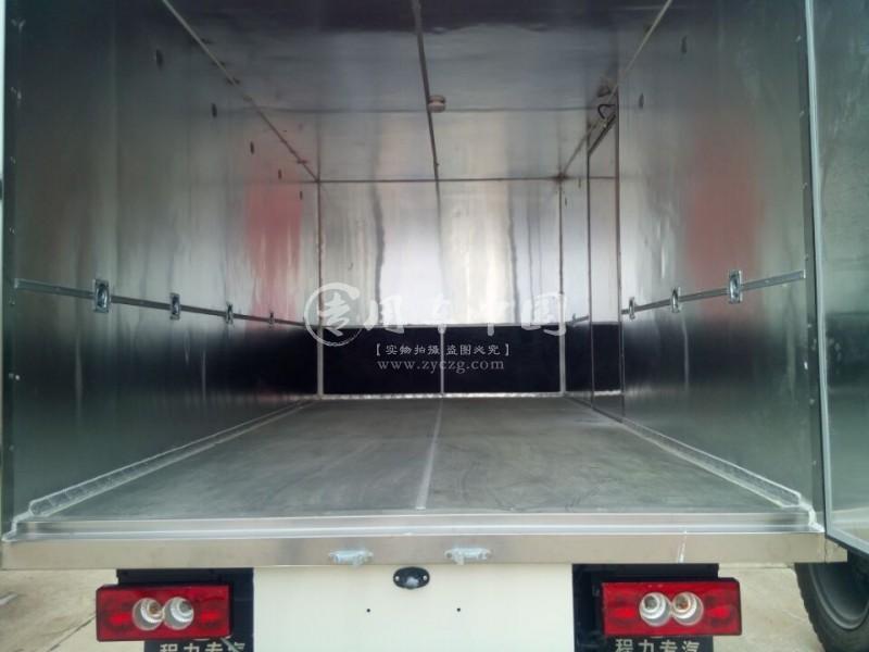 五十铃爆破器材运输车