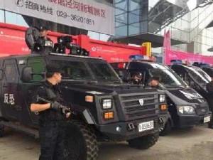 东风EQ5090xFBZJ四驱越野防暴装甲车