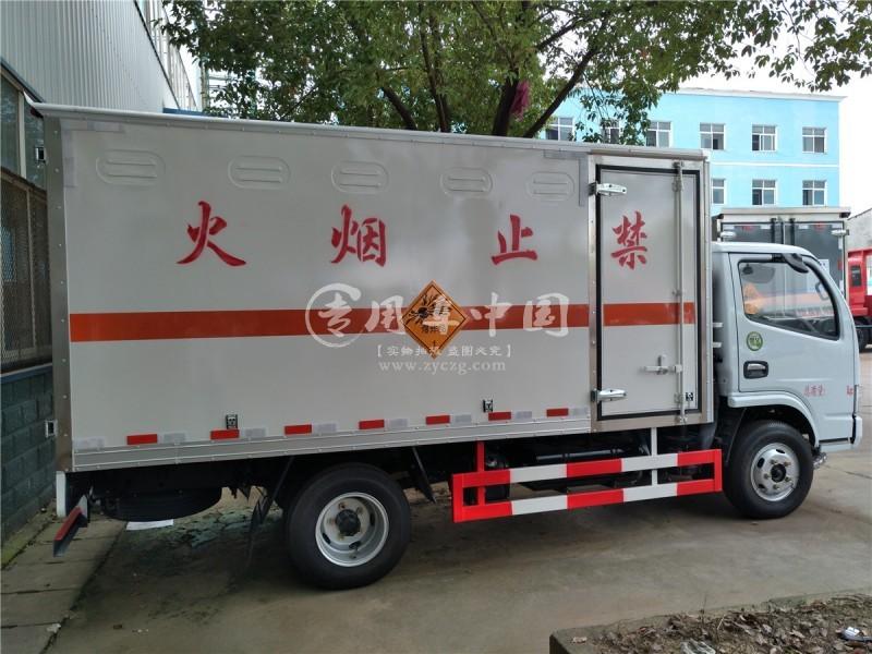 东风易燃液体防爆运输车
