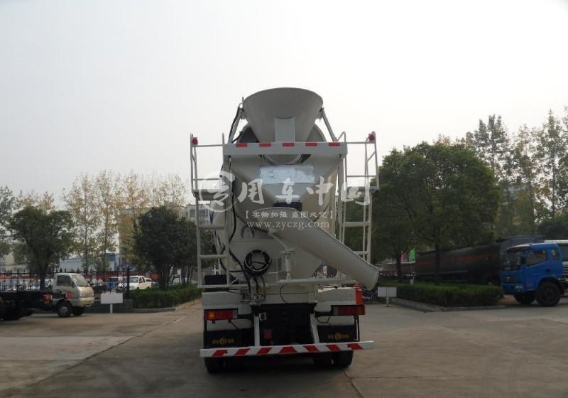 欧曼12方水泥运输车
