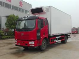 解放J6L6.8米冷藏车