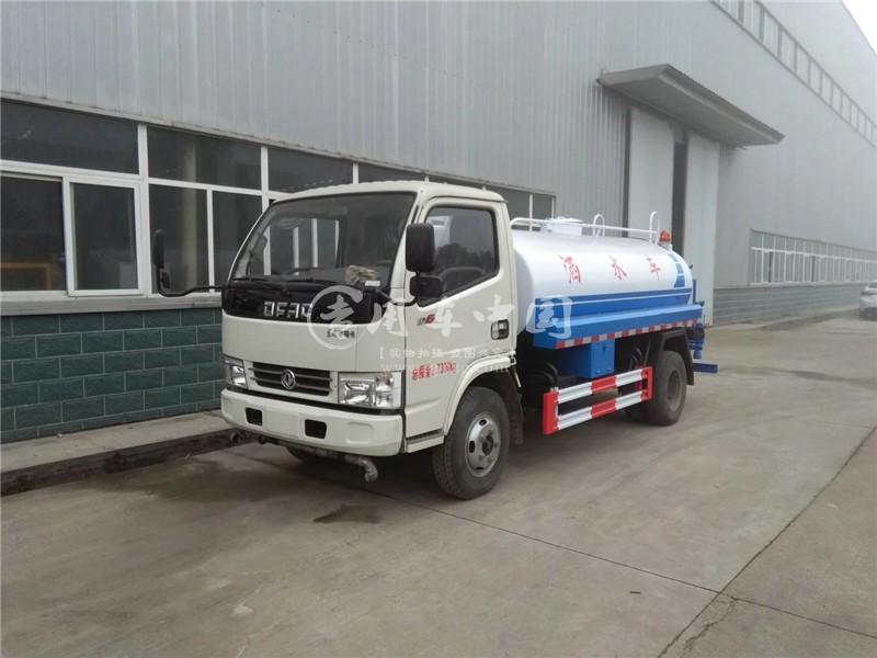 东风6方洒水车