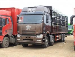 一汽解放J6P 9.54米仓栅车 (5)