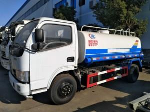 东风福瑞卡5吨洒水车 厂家直销年底大促