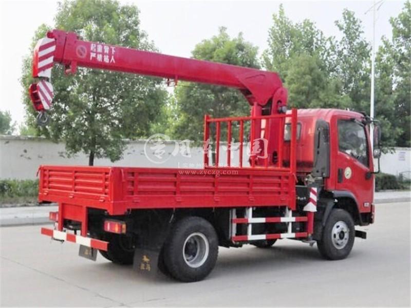 最新大运3.5吨长兴随车吊价格13.9万起