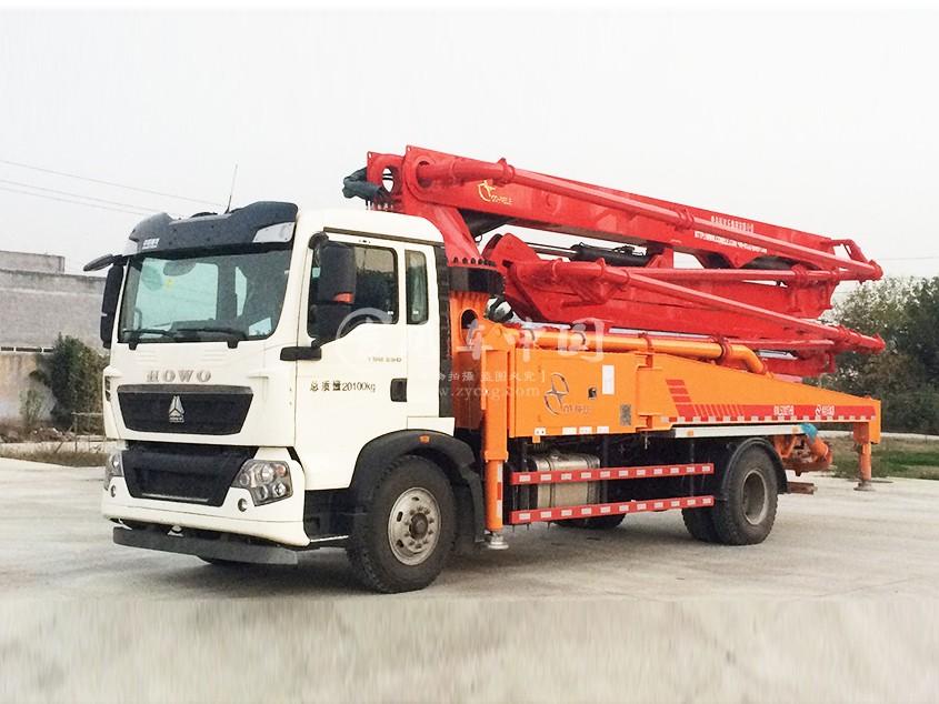 华一重汽T5G33米混凝土泵车