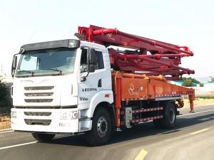 一汽解放33米混凝土泵车