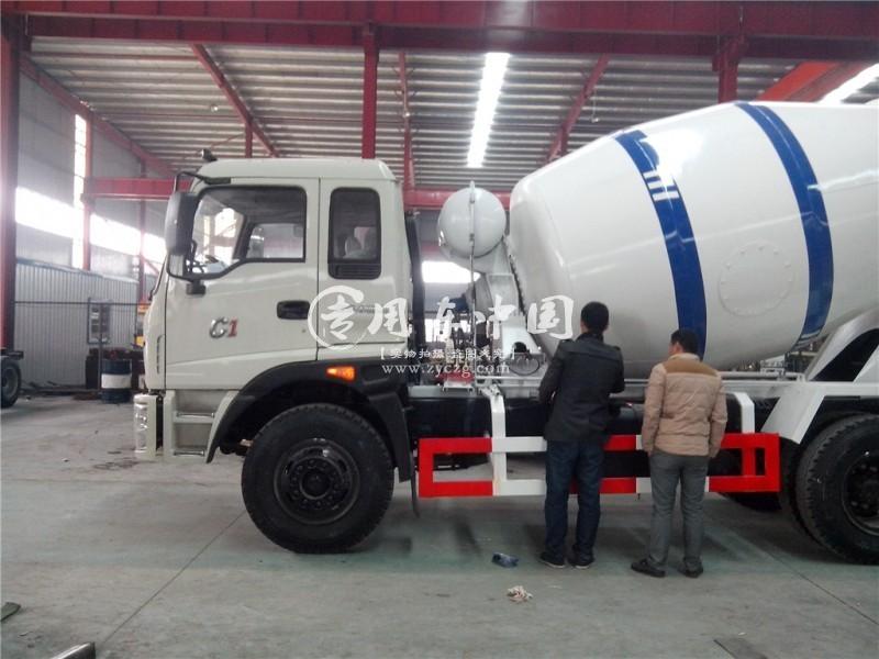 福田瑞沃7方灌装水泥搅拌车