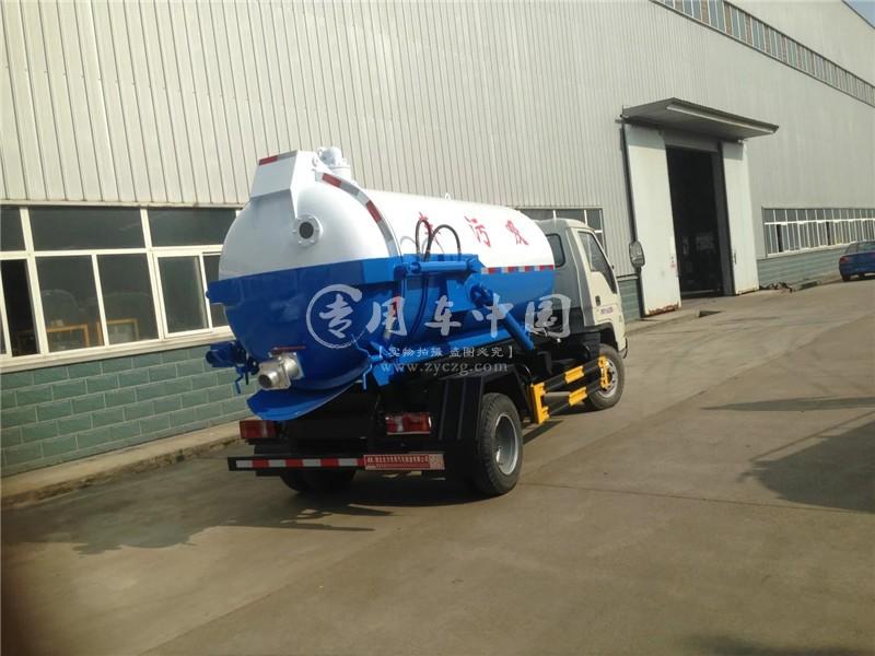 福田小卡之星2吨小型吸污车
