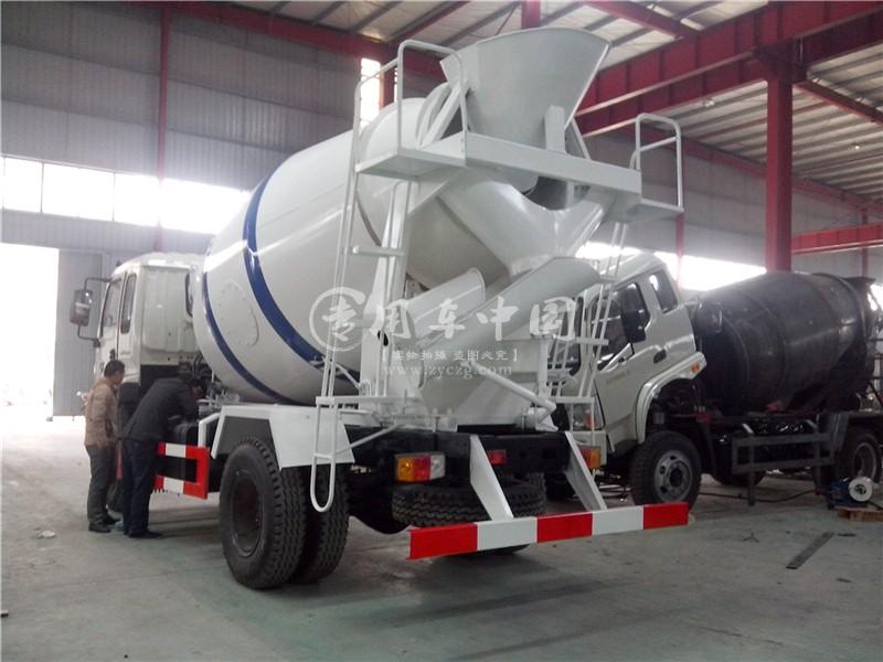 福田瑞沃5方水泥搅拌车