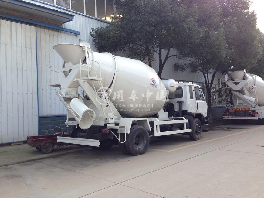 东风10方水泥罐车