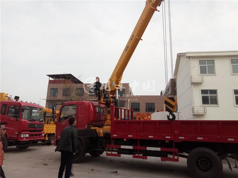 程力东风御虎6.3吨随车吊图片二