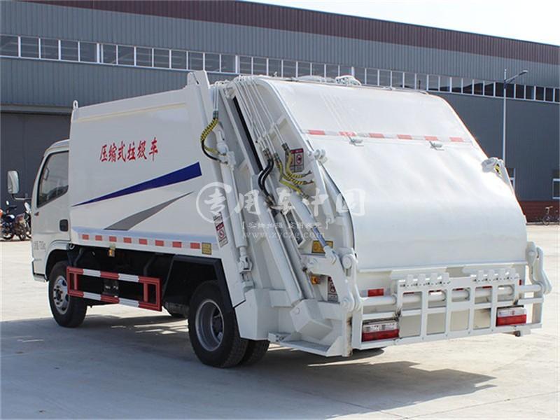 东风5方压缩式垃圾车图片1