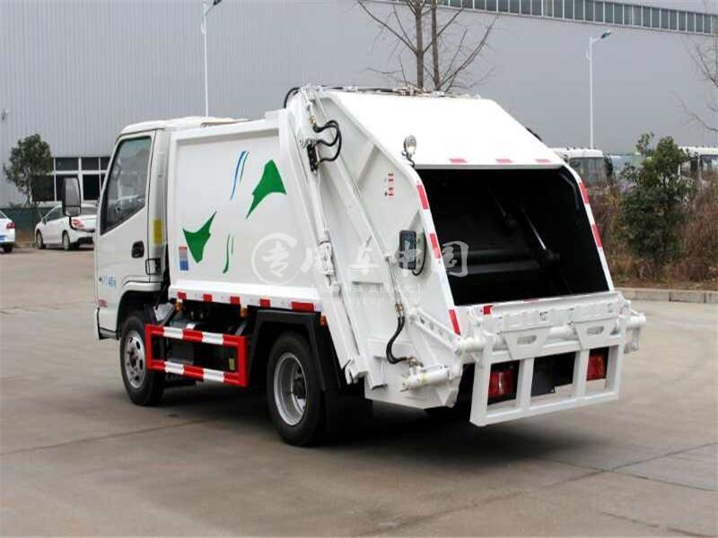 凯马4方压缩式垃圾车