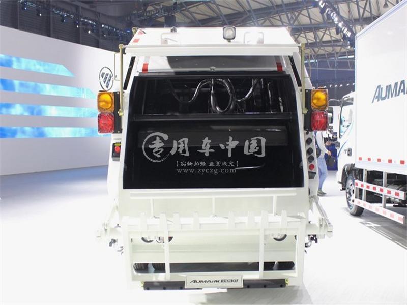 福田6方压缩式垃圾车