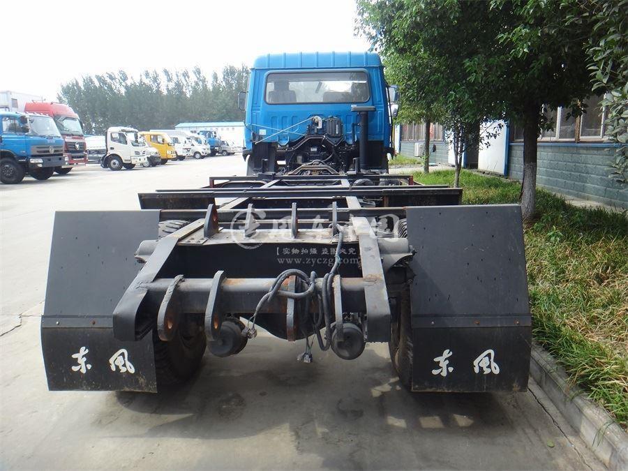 东风145型10方摆臂式垃圾车