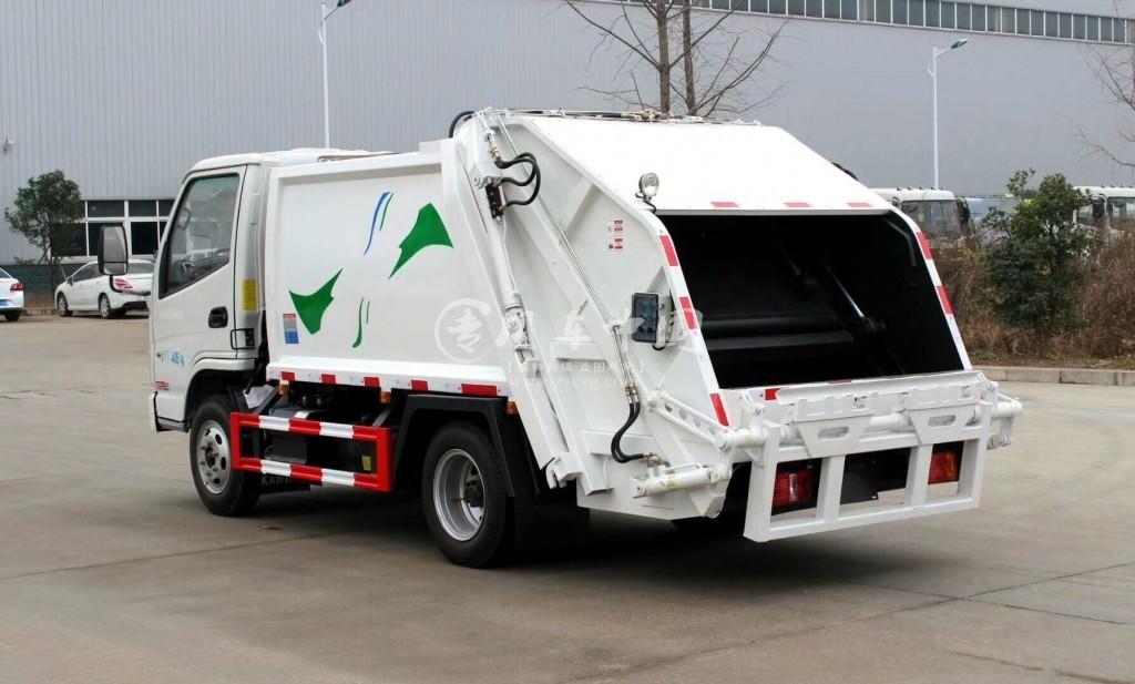 凯马2方压缩式垃圾车图片3
