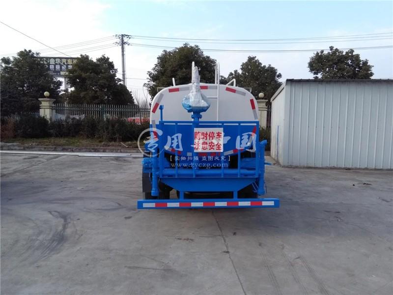 东风多利卡5方洒水车