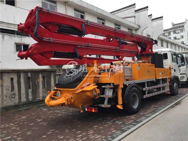 重汽35米混凝土泵车