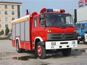 153 8方泡沫消防车