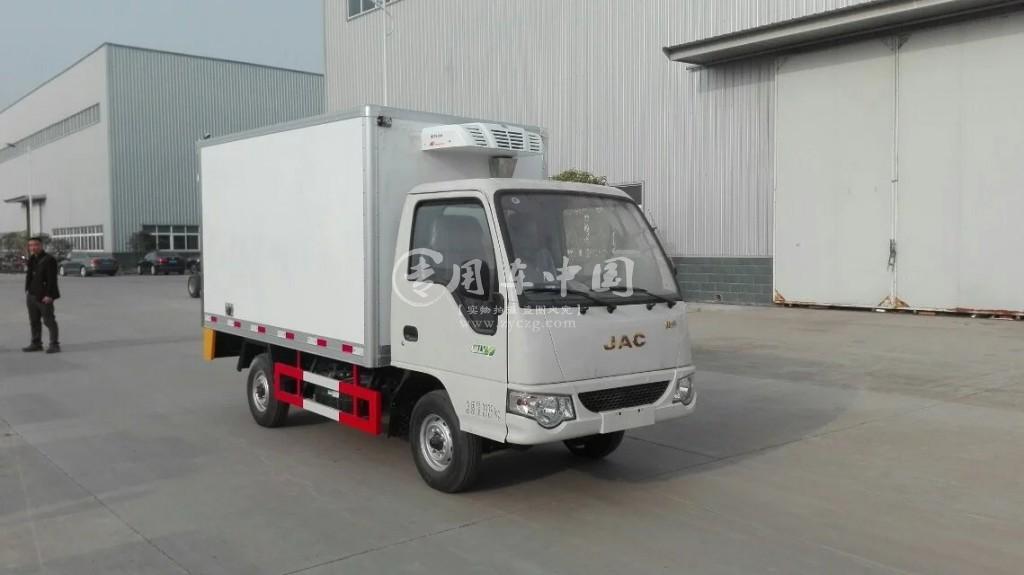 江淮康玲3.1米冷藏车前侧图