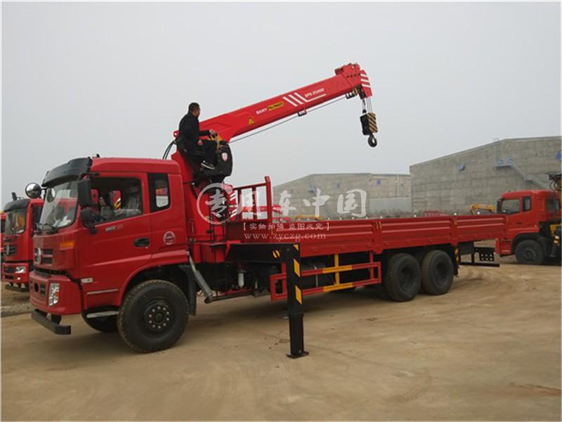 东风御龙14吨随车吊图片