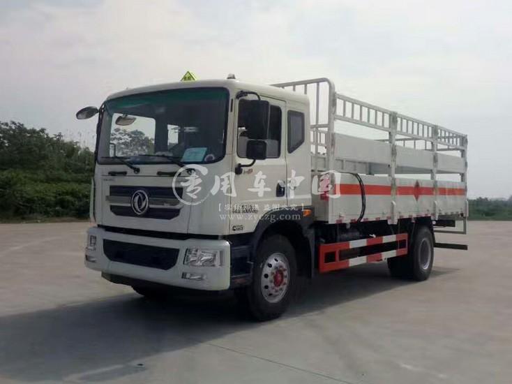 东风D9型6.2米气瓶运输车