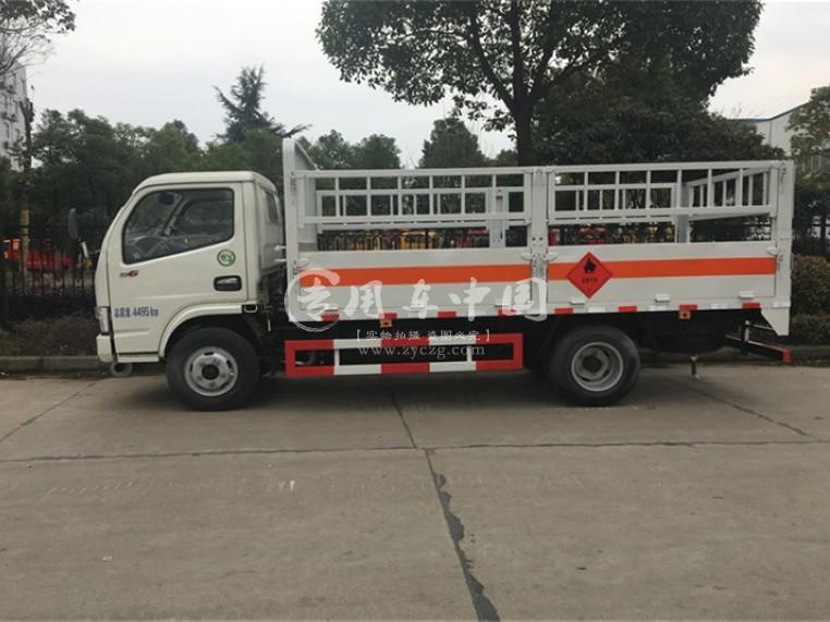 力东风小多利卡4.1米气瓶运输车