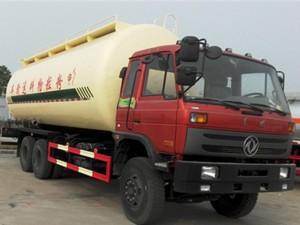 程力东风153 28方粉粒物料运输车