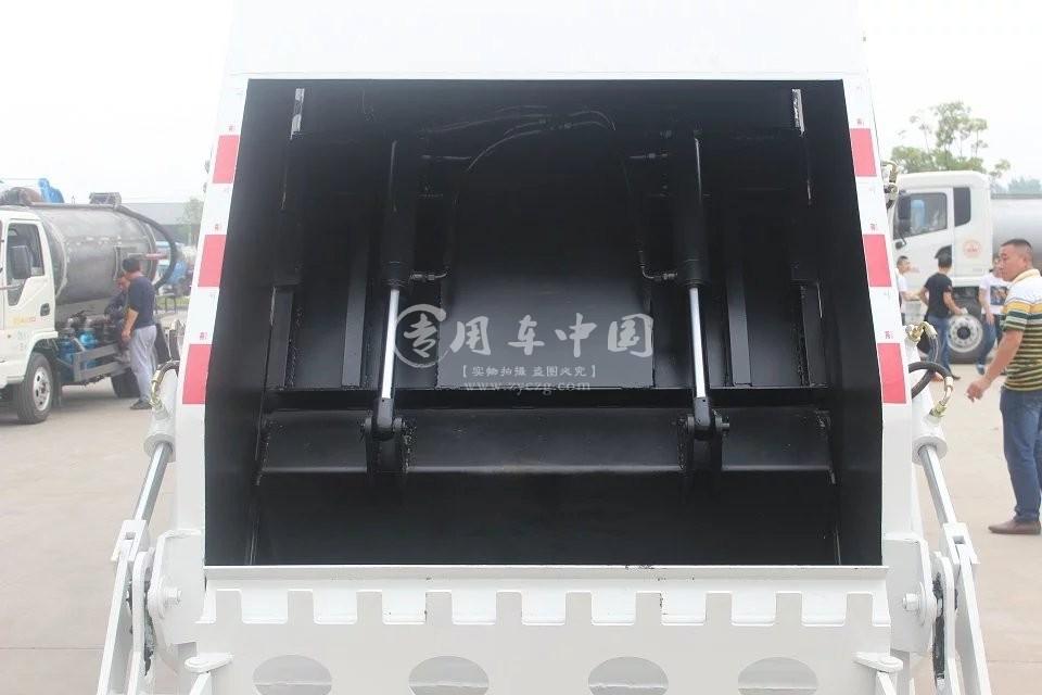 东风凯普特5方压缩式垃圾车