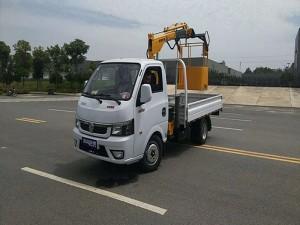 新款东风途逸汽油版1.3吨4节随车吊