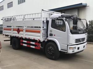东风多利卡5.1米气瓶运输车