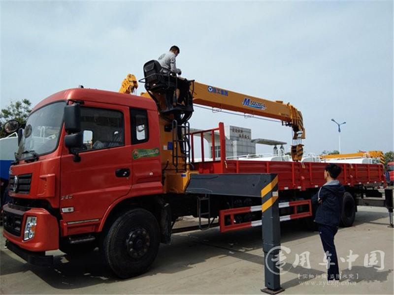 东风专底12吨随车吊图片