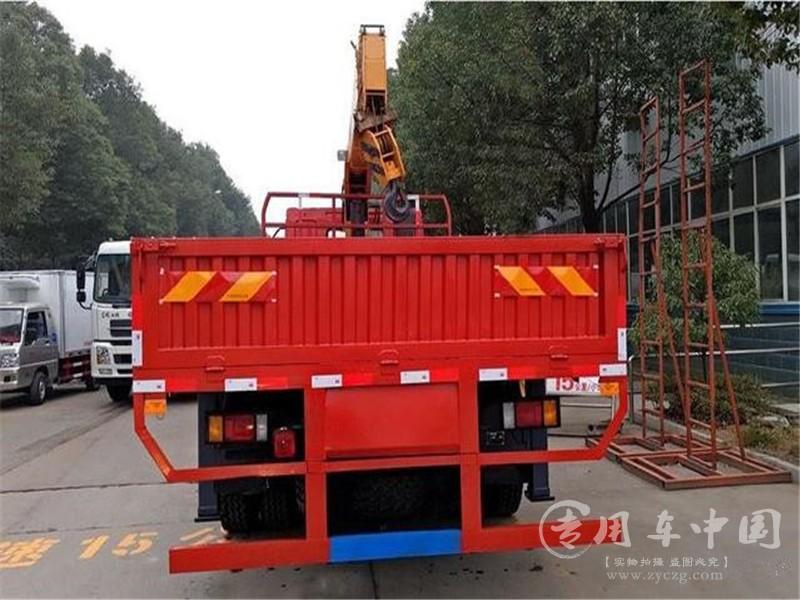 东风柳汽6.3吨随车吊图片