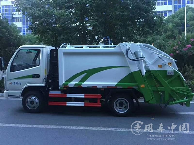凯马4方压缩式垃圾车图片