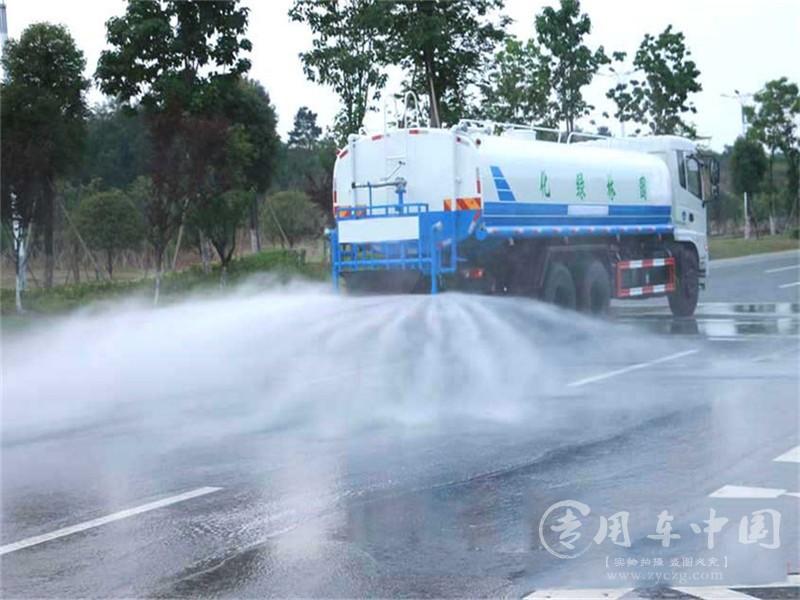 东风天龙18方洒水车图片