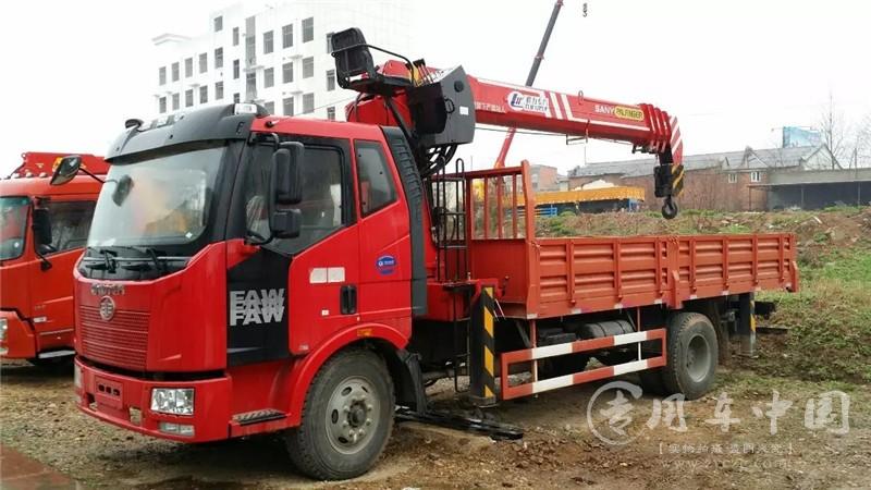舜德解放j6 10吨随车吊