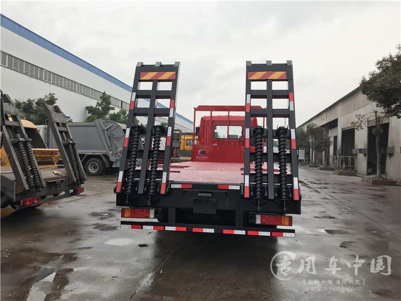楚风东风齐星7米6平板车