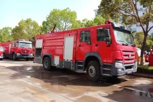 重汽豪沃8吨泡沫消防车价格¥:44.8万