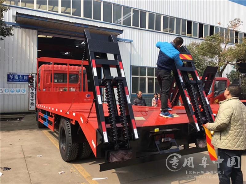 东风特商单桥平板车图片